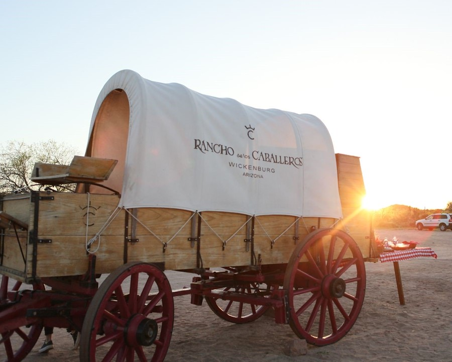covered wagon at rancho de los caballeros
